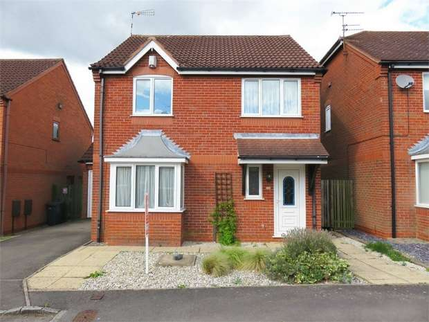 4 Bedrooms Detached House for sale in Hogarth Road, Leicester