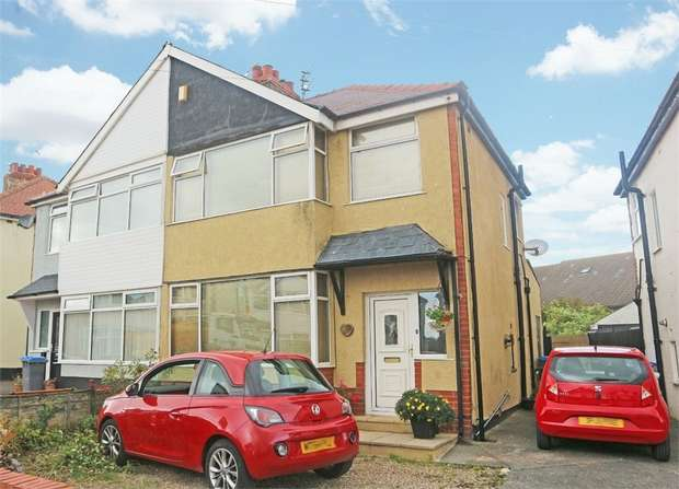 3 Bedrooms Semi Detached House for sale in Buckley Crescent, Thornton-Cleveleys, Lancashire