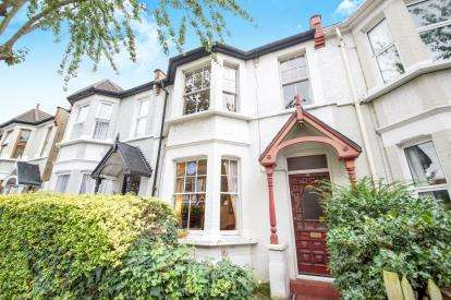 3 Bedrooms Terraced House for sale in Leyton