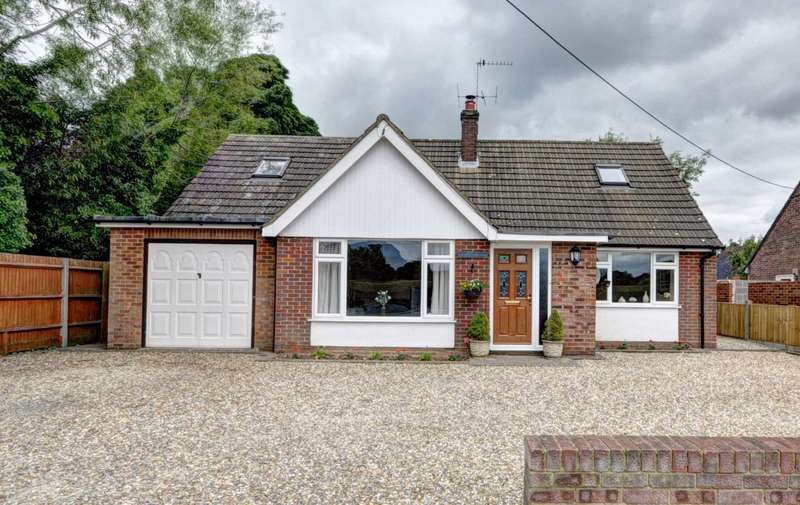 4 Bedrooms Detached Bungalow for sale in Naphill