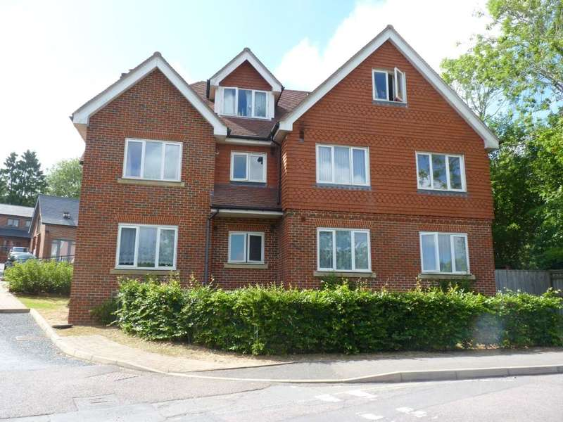 2 Bedrooms Flat for rent in Station Approach, Heathfield, TN21 0DQ