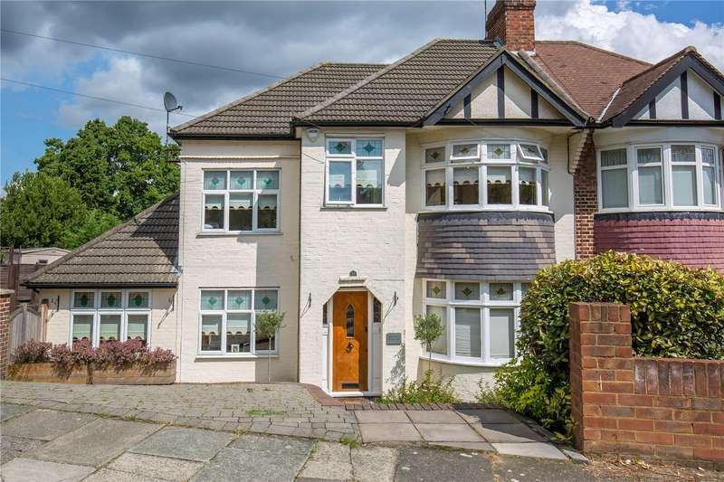 4 Bedrooms Semi Detached House for sale in Dene Road, East Barnet, N11