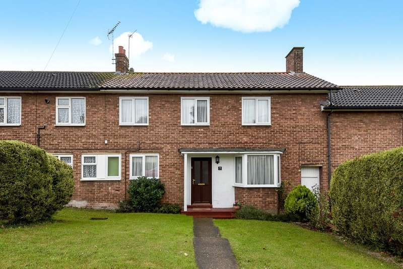 4 Bedrooms Terraced House for sale in Sturgeons Way, Hitchin, SG4