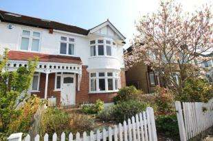 3 Bedrooms End Of Terrace House for sale in The Drive, Beckenham, Kent
