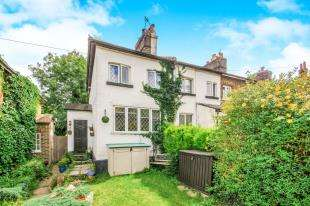 2 Bedrooms Semi Detached House for sale in Redstone Hill, Redhill, Surrey