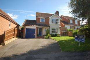 4 Bedrooms Detached House for sale in New Barn Lane, Ridgewood, Uckfield, East Sussex