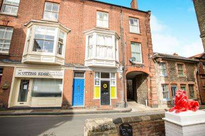 2 Bedrooms Terraced House for sale in Cromer, Norwich, Norfolk
