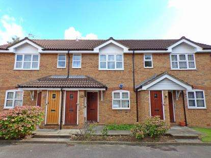 1 Bedroom Maisonette Flat for sale in The Hollies, Christchurch Avenue, Harrow