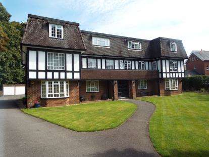 2 Bedrooms Flat for sale in 3 Cavendish Place, Bournemouth, Dorset