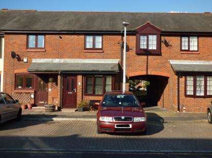 3 Bedrooms Terraced House for sale in Baiter Park, Poole, Dorset