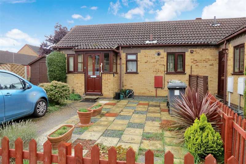 2 Bedrooms Semi Detached Bungalow for sale in Ashby Court, Sleaford