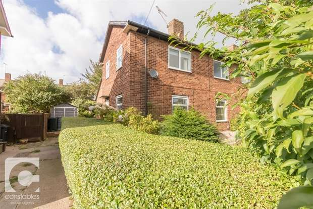 3 Bedrooms Semi Detached House for sale in Raby Park Road, Neston, Cheshire