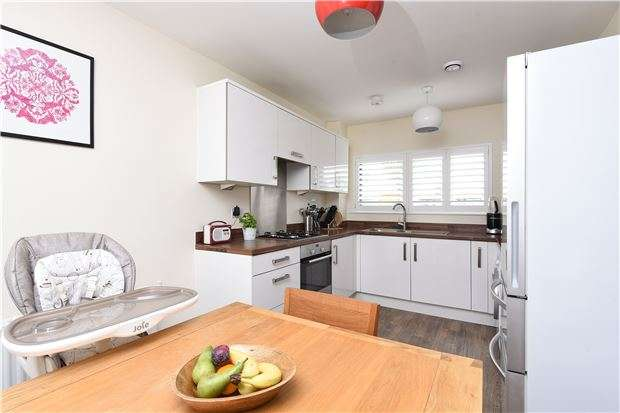 3 Bedrooms Semi Detached House for sale in Crowley Mews, London, SW16