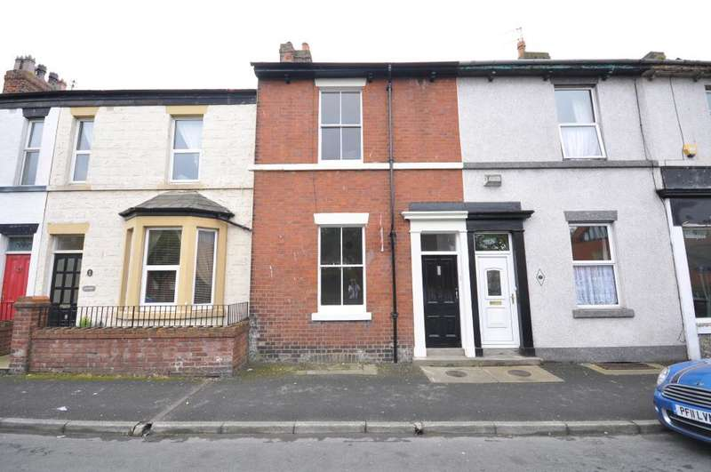 2 Bedrooms Terraced House for sale in Victoria Street, Fleetwood, Lancashire, FY7 6BS