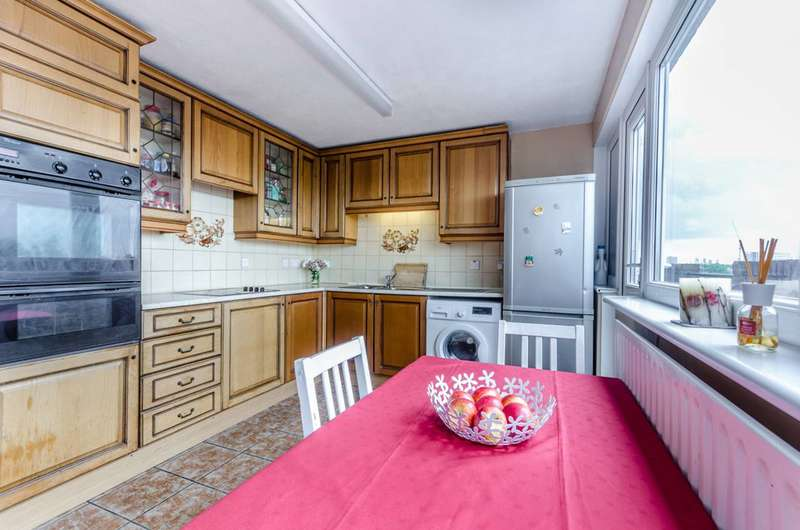 2 Bedrooms Flat for sale in Ackroyd Drive, Mile End, E3