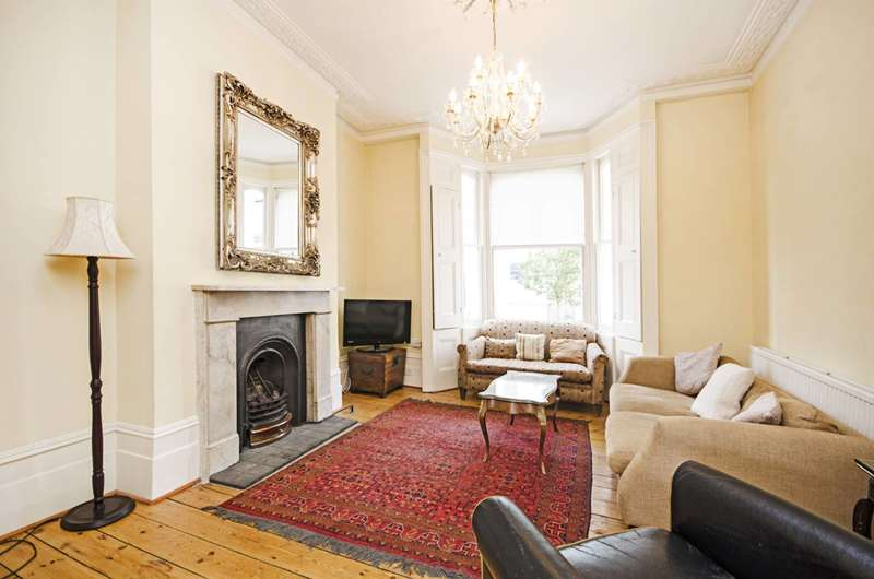 4 Bedrooms Terraced House for rent in Blurton Road, Lower Clapton, E5