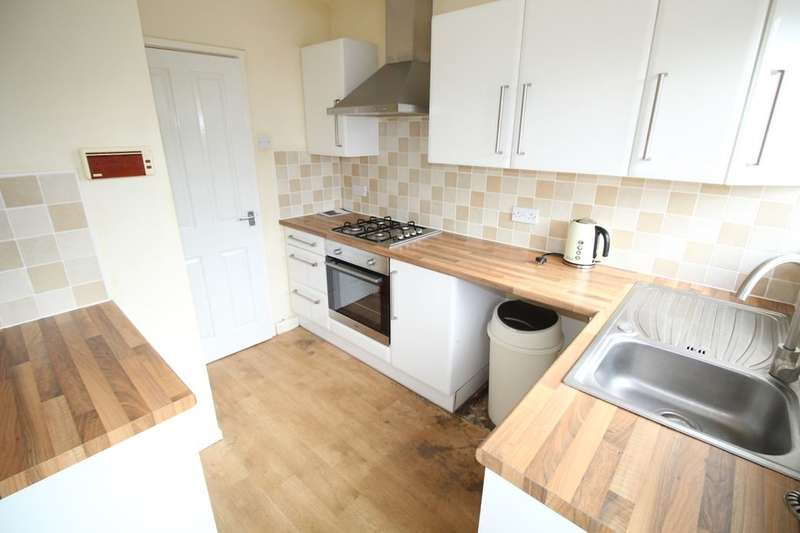 3 Bedrooms Semi Detached House for rent in Stainforth Avenue, Blackpool, FY2