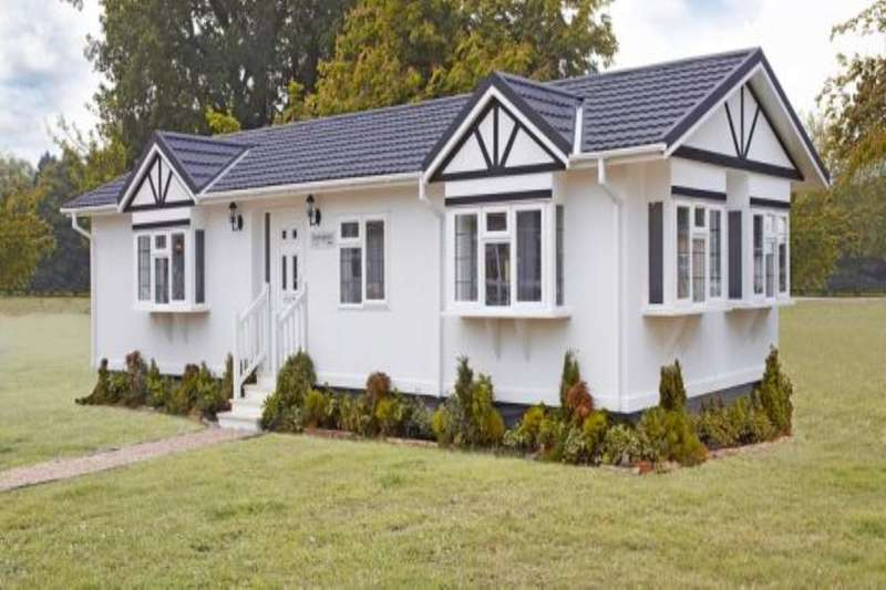 2 Bedrooms Bungalow for sale in Grasscroft Park Glasshouse Lane, New Whittington, Chesterfield, S43