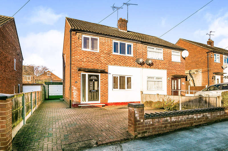 3 Bedrooms Semi Detached House for sale in Reeves Road, Great Boughton, Chester, CH3