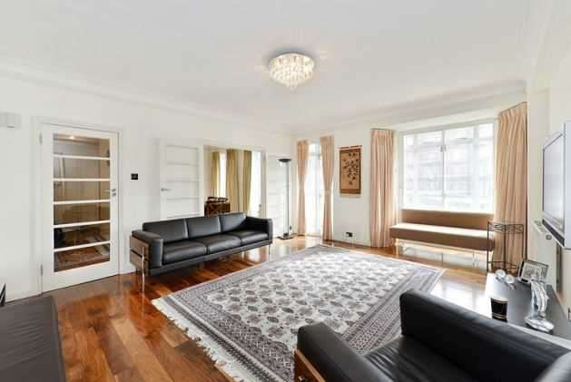 Studio Flat for sale in Gloucester Place, London