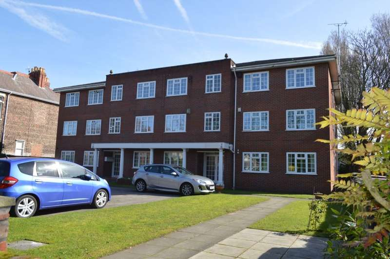 2 Bedrooms Flat for sale in Blundellsands Road West, Liverpool, L23