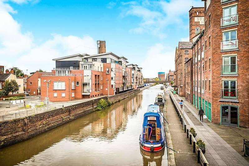 2 Bedrooms Flat for sale in Shot Tower Close, Chester, CH1