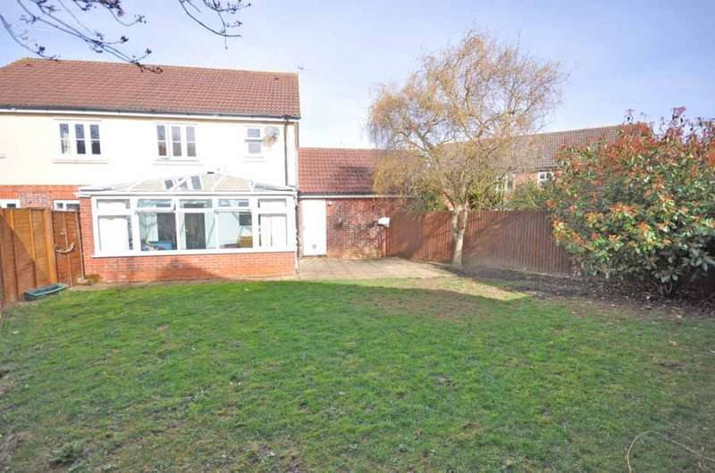3 Bedrooms Semi Detached House for sale in Springfields, Braintree, CM77