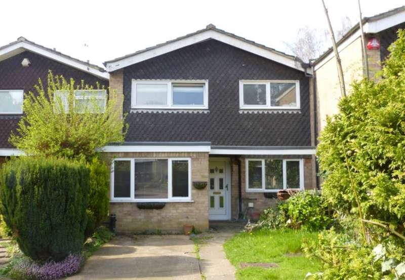 3 Bedrooms Semi Detached House for sale in West View Gardens, Elstree