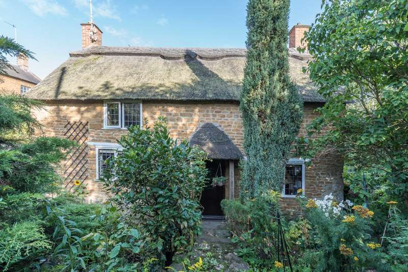 2 Bedrooms Cottage House for sale in Little Bridge Road, Bloxham
