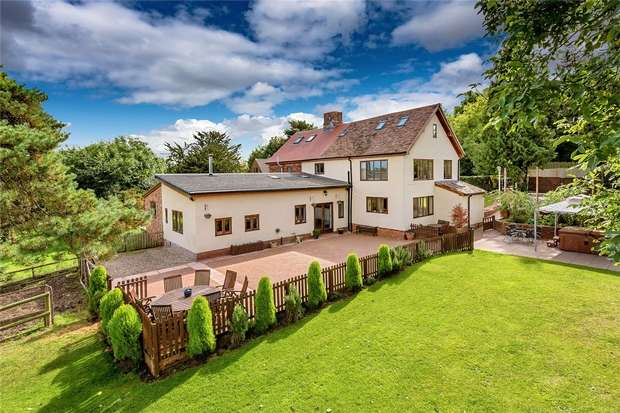 5 Bedrooms Semi Detached House for sale in 10 Knowles Bank, Shifnal, Shropshire