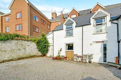 3 Bedrooms Semi Detached House for sale in Newquay, Cornwall, .