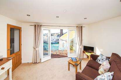 2 Bedrooms Flat for sale in Helen Lane, Weymouth, Dorset
