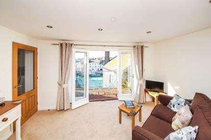 2 Bedrooms Flat for sale in Helen Lane, Weymouth, Dorset