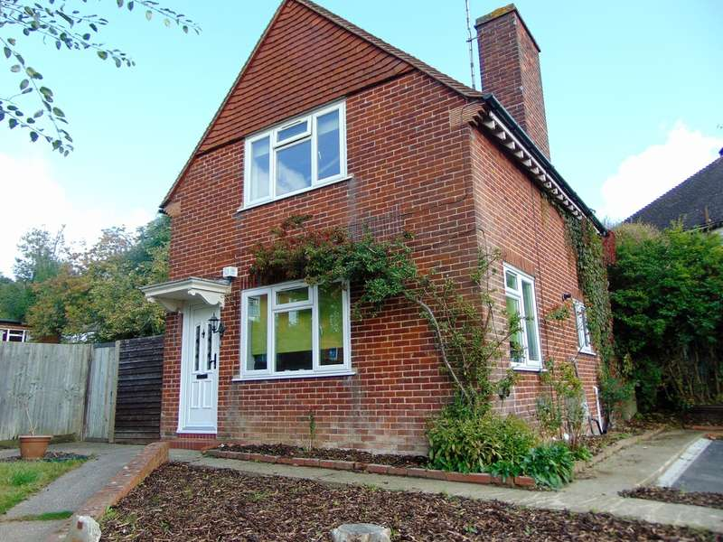 3 Bedrooms Detached House for sale in Addington Road, Seldon, Surrey, CR2 8LQ