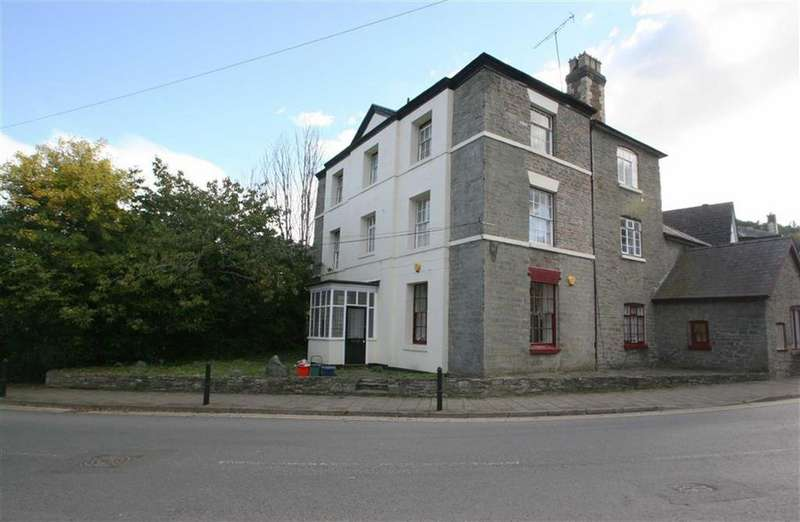 1 Bedroom Flat for rent in Wylcwm Place, KNIGHTON, Knighton, Powys