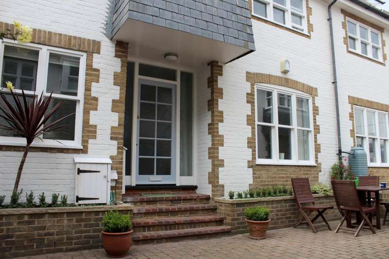 4 Bedrooms House for rent in Portland Mews, St Georges Road, Kemptown