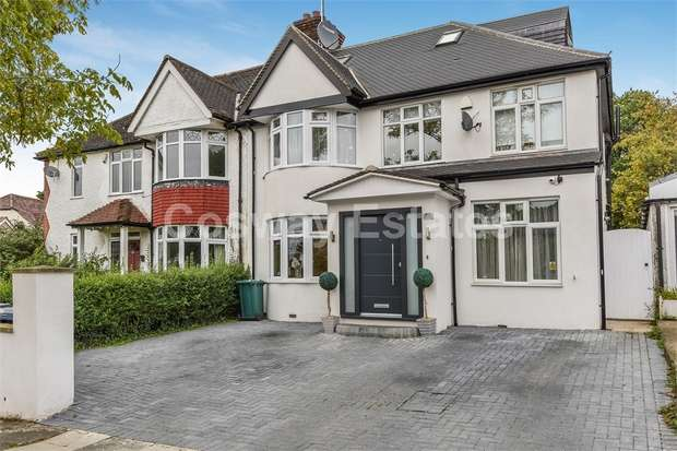 5 Bedrooms Semi Detached House for sale in St Marys Crescent, NW4