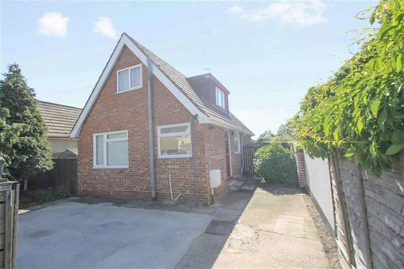 3 Bedrooms Detached House for sale in Golf Green Road, Clacton-on-Sea