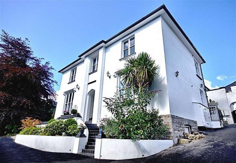 3 Bedrooms Flat for sale in Appt 3 St Mary's House, Heywood Lane, Tenby, Pembrokeshire, SA70