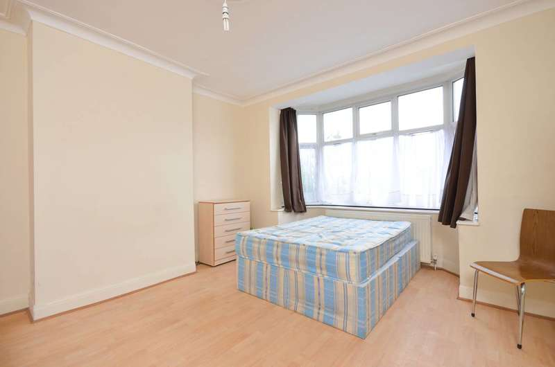 5 Bedrooms House for sale in Munster Gardens, Palmers Green, N13