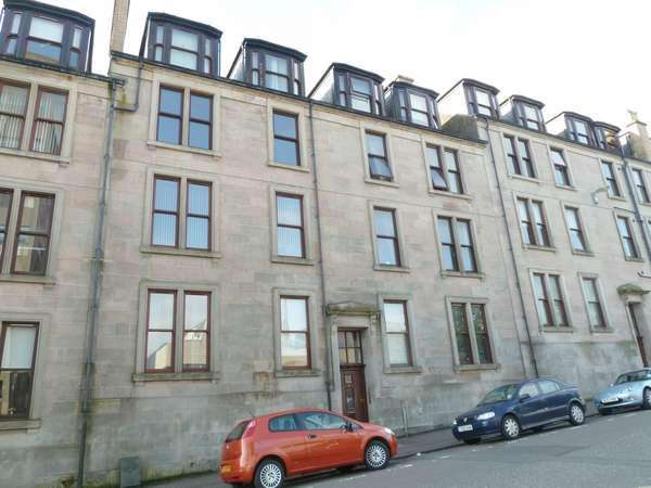 3 Bedrooms Flat for sale in 23D Newton Street, Greenock, PA16 8SA