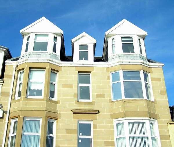 1 Bedroom Flat for sale in 27 (2/1) Stuart Street, Millport, Isle of Cumbrae, KA28 0AJ