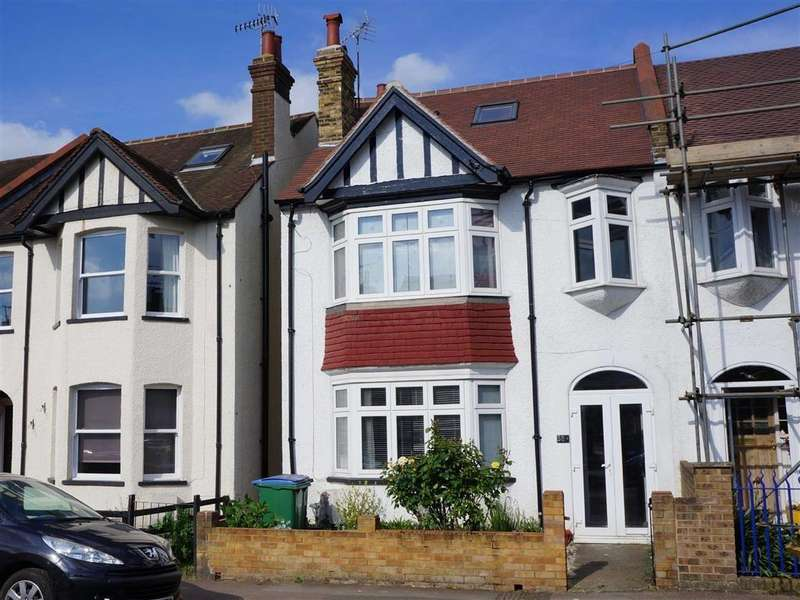 4 Bedrooms Semi Detached House for sale in Oxhey Village