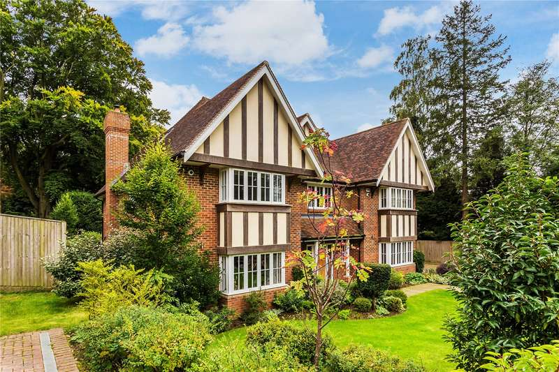 6 Bedrooms Detached House for sale in Harestone Hill, Caterham, Surrey, CR3
