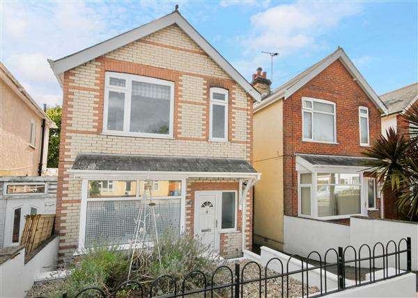 3 Bedrooms Detached House for sale in Fortescue Road, Poole