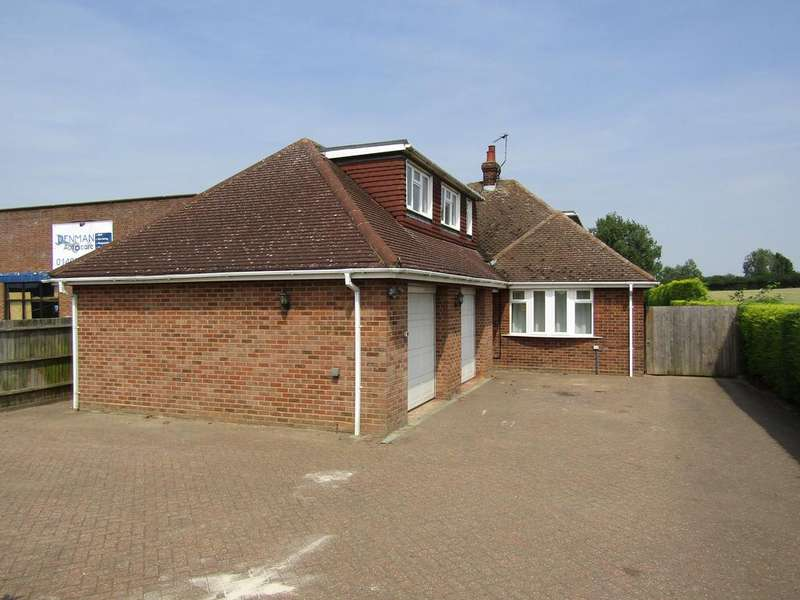 7 Bedrooms Chalet House for rent in Hitchin Road, Shefford SG15