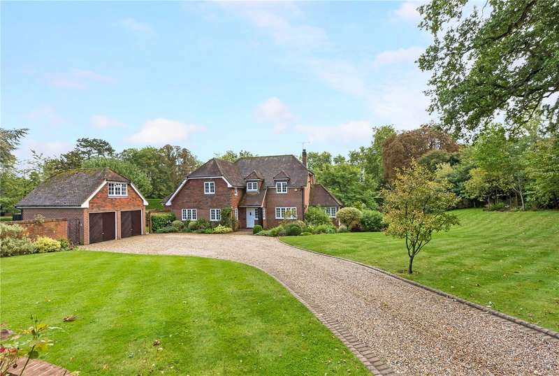 5 Bedrooms Detached House for sale in Burchetts Green Road, Littlewick Green, Maidenhead, Berkshire, SL6