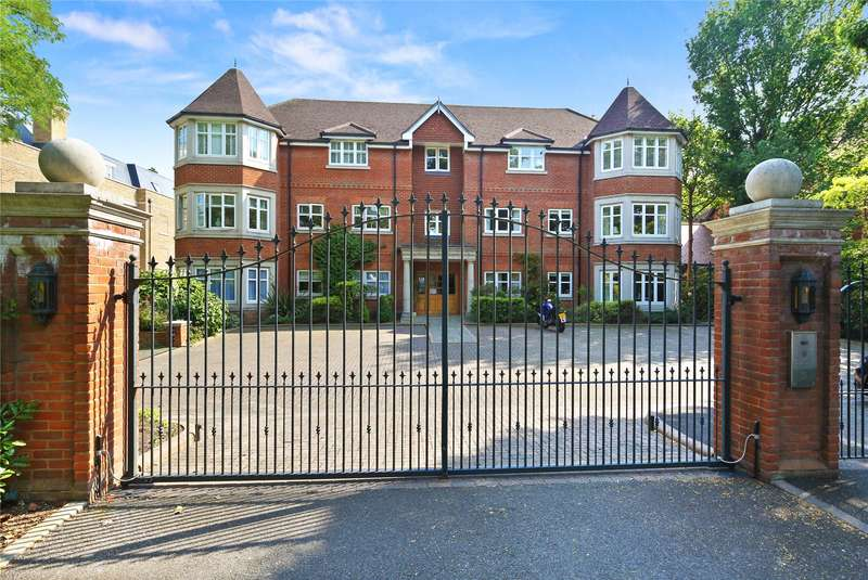 2 Bedrooms Flat for sale in Queens Road, Weybridge, Surrey, KT13