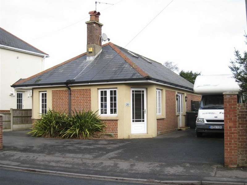 4 Bedrooms Chalet House for sale in Victoria Road, Wimborne, Dorset