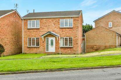 3 Bedrooms Detached House for sale in Yarwell Drive, Maltby, Rotherham, South Yorkshire